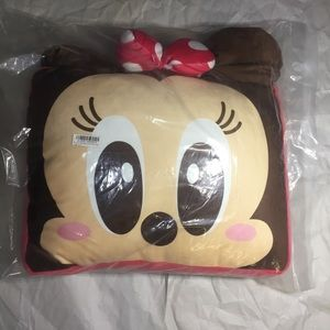 Toreba Minnie Mouse cushion